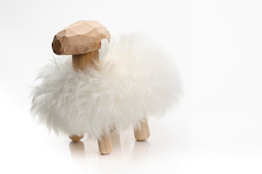 羊のオブジェの写真